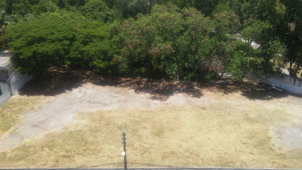 terreno em jardim camburi com 14.400 m², um dos maiores ainda existente no bairro. - 2000658