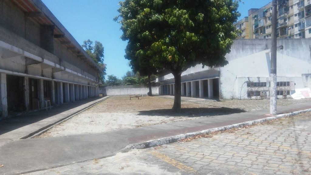terreno em jardim camburi com 14.400 m², um dos maiores ainda existente no bairro. - aby2000658