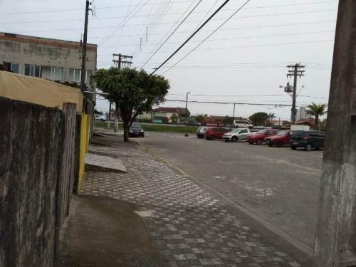terreno em local comercial em mongaguá - 6027