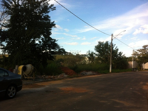terreno em rua tranquila. vista espetacular. próximo ao centro de joaquim egidio. - te00596