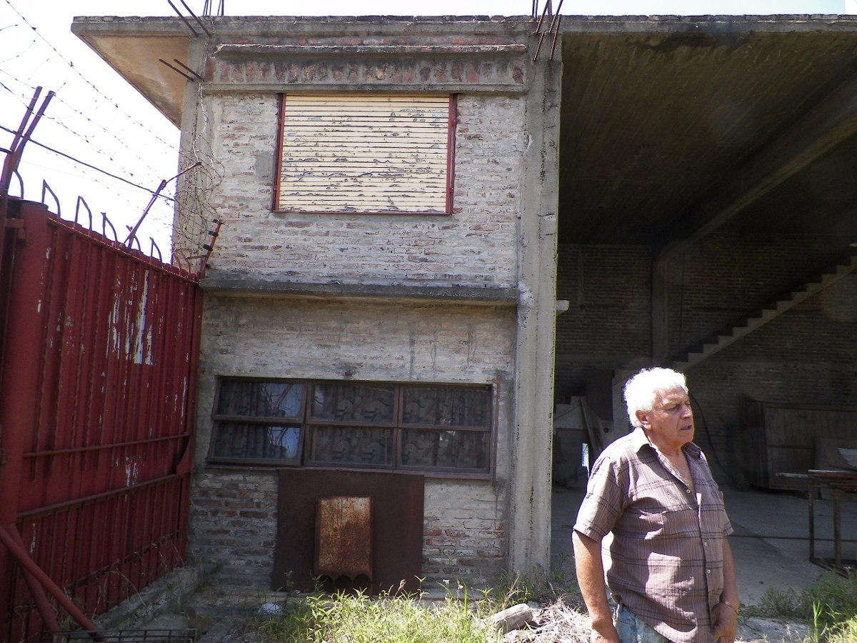 terreno en alquiler  de 1500 m2 aprox - v. dominico