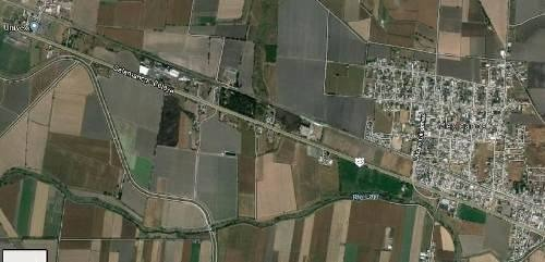 terreno en aportación a pie de carretera salamanca - celaya ambos lados