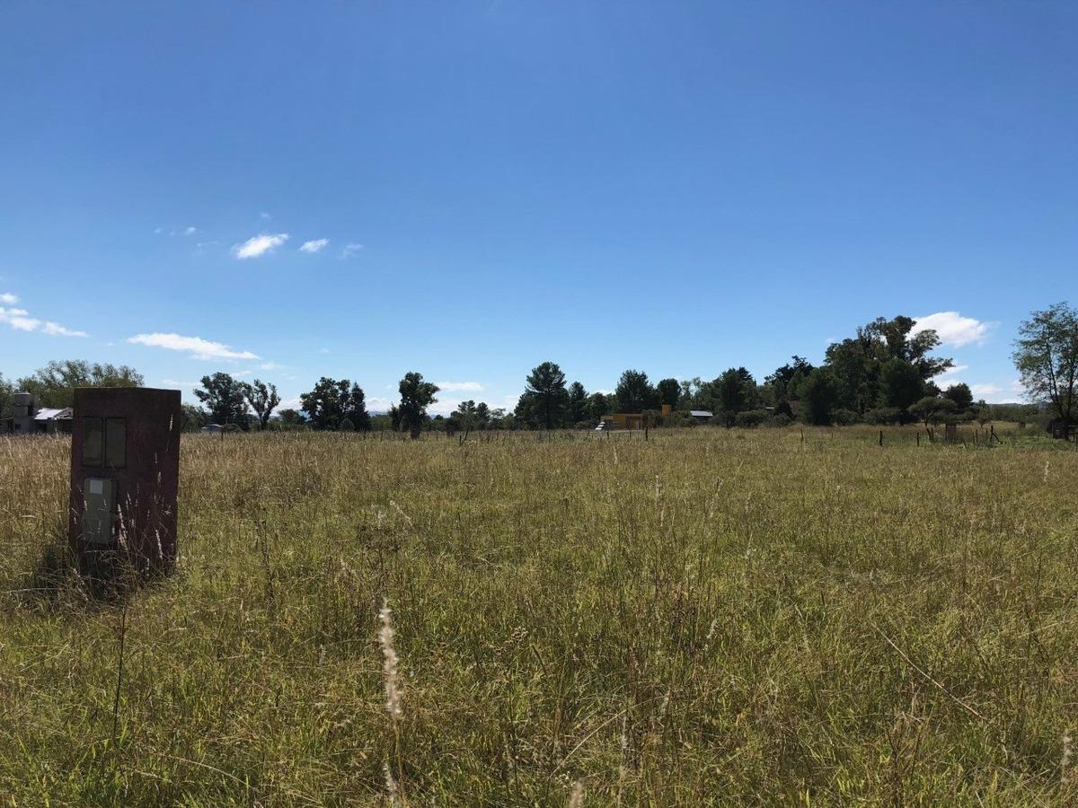 terreno en barrio cerrado punto claro cerca de villa general beelgrano
