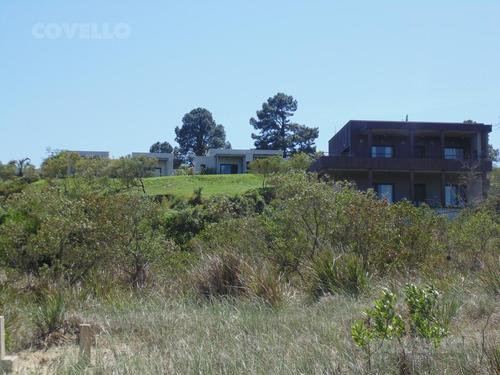 terreno en barrio privado, acceso a playa, puerto privado, restaurante, seguridad