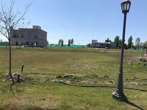 terreno en barrio privado  san benito  gonnet.