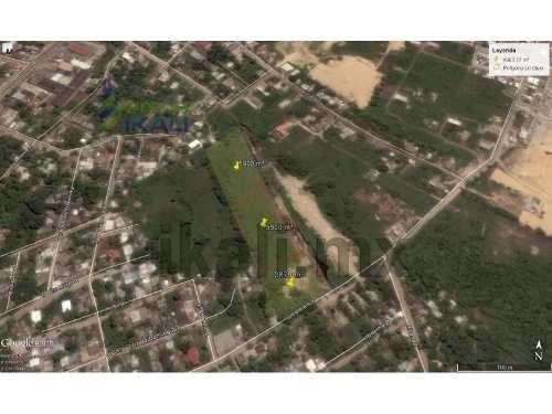 terreno en col. anahuac tuxpan, veracruz. ubicado en calle lucio blanco de la colonia anahuac, consta de 3 fracciones 2 de 5900 m² y una de 3879 m², dando un total de 15680 m², se puede vender en fra