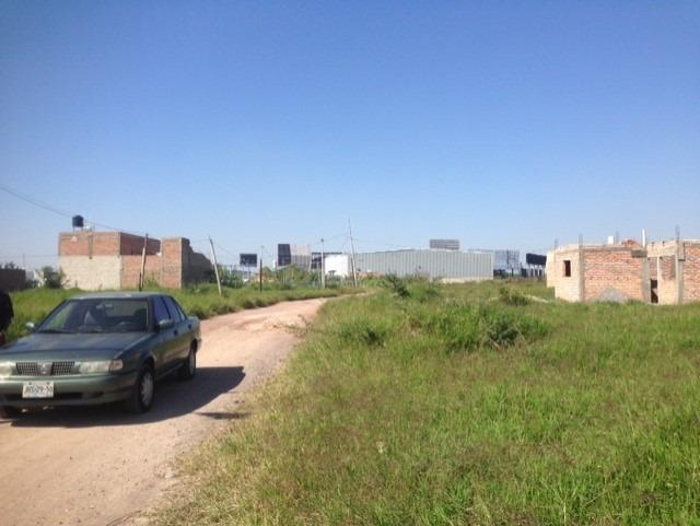 terreno en esquina 12x18 frente al aeropuerto