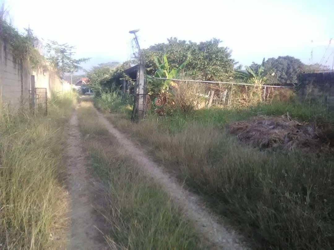 terreno en la cumaca con casas