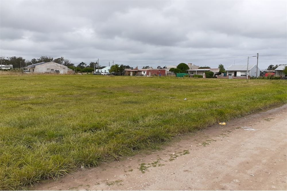 terreno en miramar 433 m2, calle 17 e/76 y 78