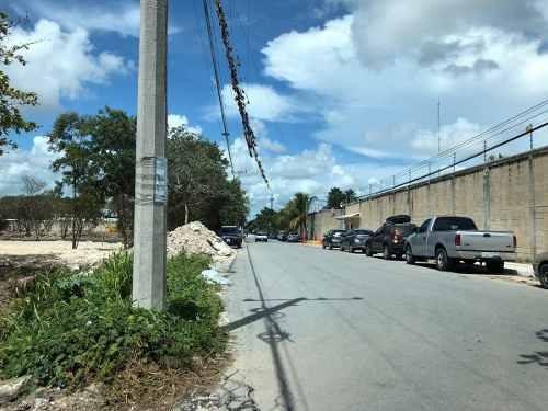 terreno en renta para encierro sobre avenida olivos cancún