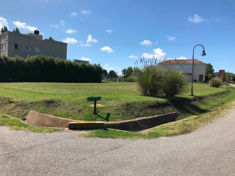terreno en rumenco  excelente esquina en barrio los alamos