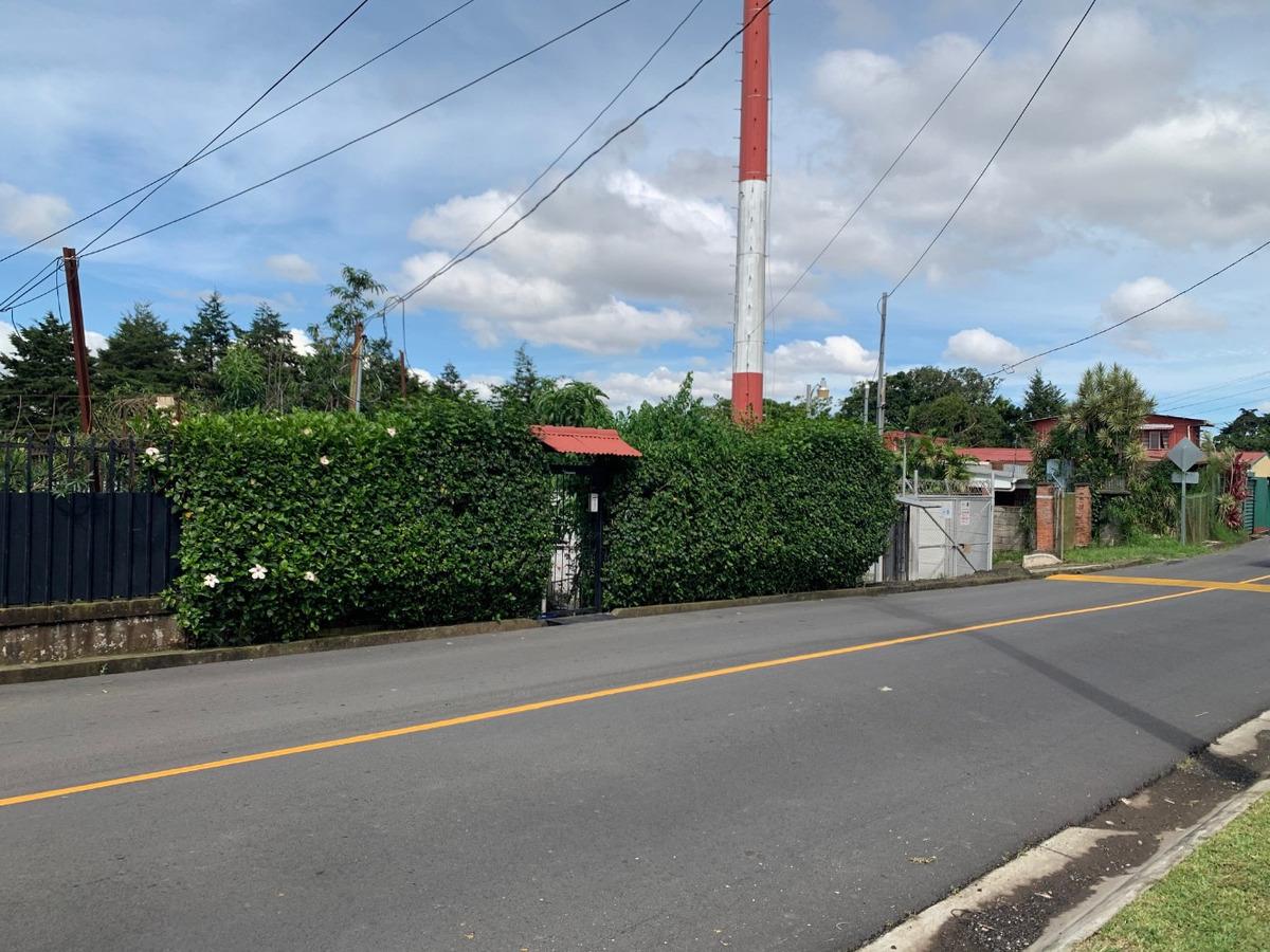terreno en sabanilla calle estefania vendo