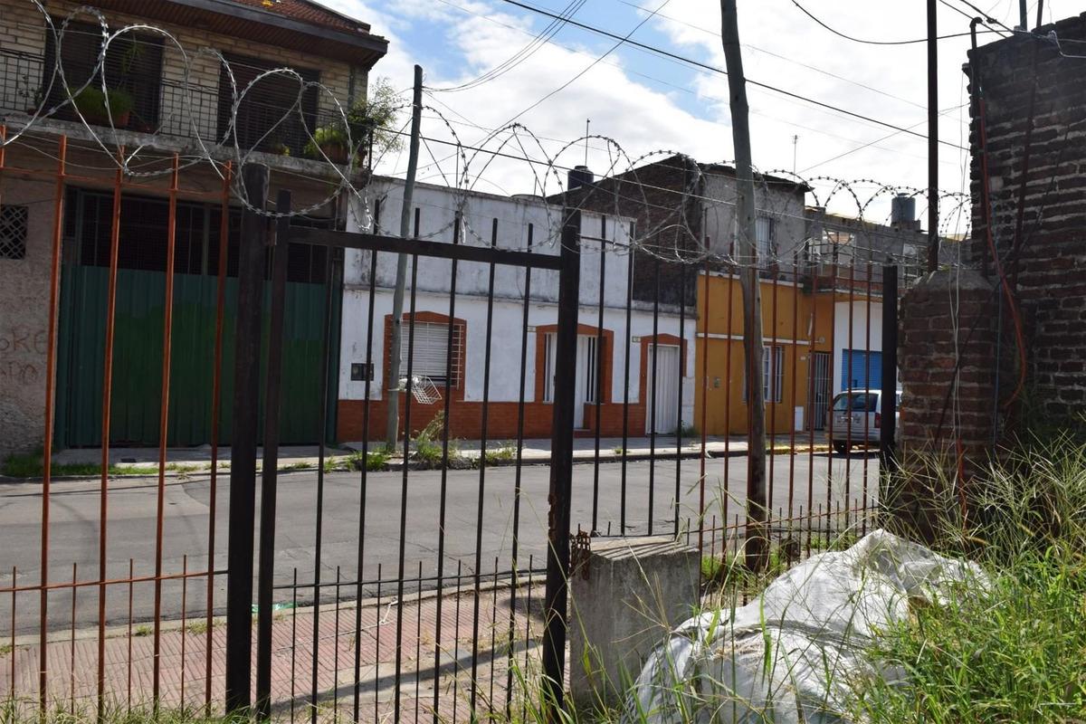 terreno en san fernando centro con casa en construcción