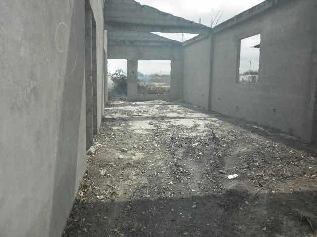 terreno en santa elena con semicontrucion 360 mtr