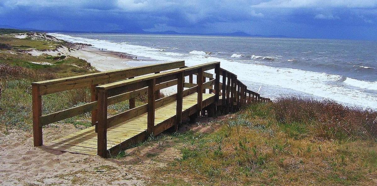 terreno en sierras del mar, nivelado y  al día .