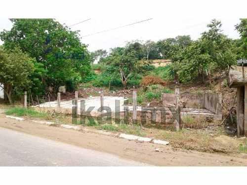 terreno en venta 850 m² en esquina campestre alborada tuxpan veracruz, se encuentra ubicado en la carretera a juana moza en la colonia las flores, cuenta con 850 m² de terreno, son 33 m. de frente a