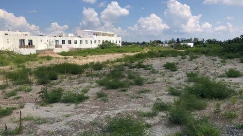 terreno en venta al lado de real center valle real
