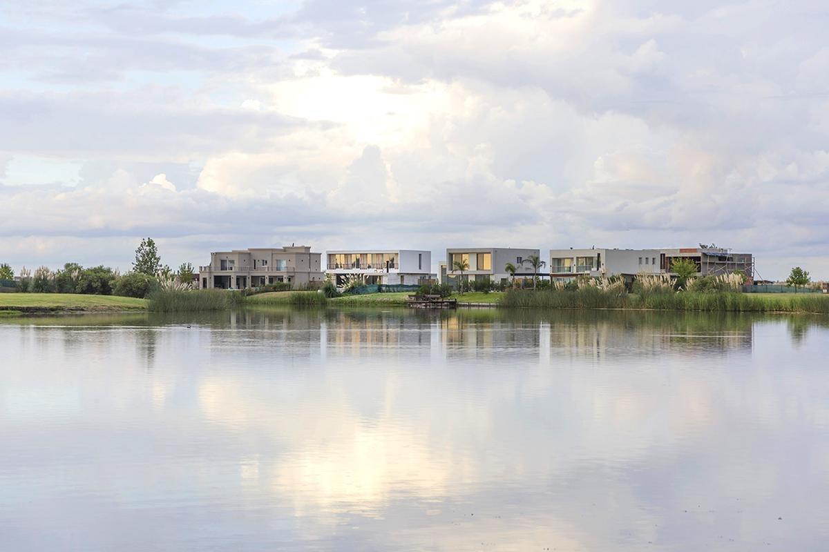 terreno en venta barrio puerto en el cantón