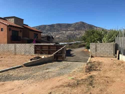 terreno en venta con 3 casas en tecate