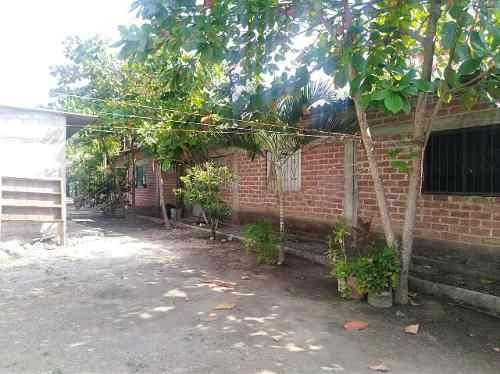 terreno en venta, con 5 unidades habitacionales en caleras, tecomán