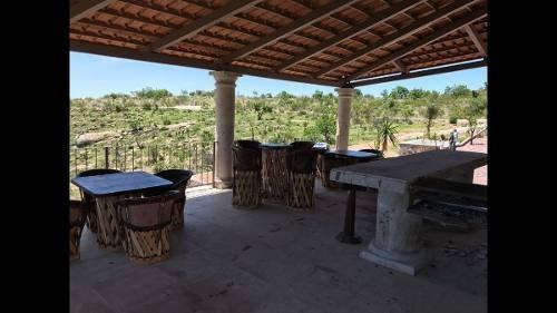 terreno en venta con cabaña ecoturística en la posta (10,000 m2).