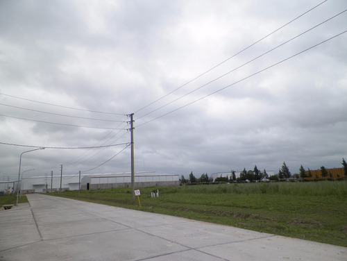 terreno en venta de 10.500 m2 - parq indus pibera