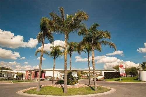 terreno en venta de 238 m2 en lomas de juriquilla