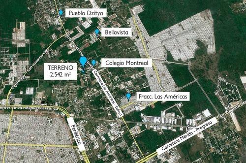 terreno en venta de 2,541 m2, a 2 esquinas de carretera principal en dzityá