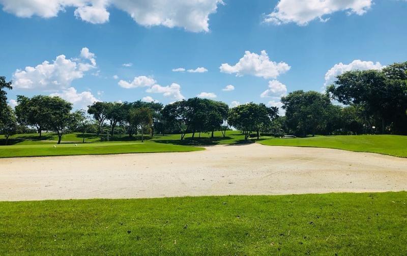 terreno en venta   de 750 m² privada xpokin con acción incluida en yucatán country club