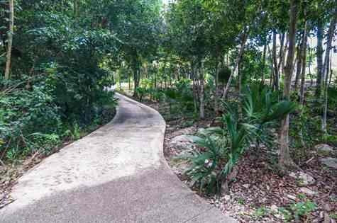 terreno en venta dentro de residencial y campo de golf en la riviera maya