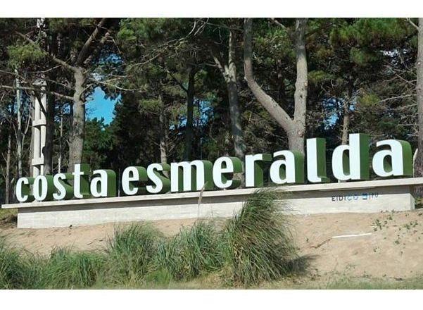 terreno en venta en barrio cerrado costa esmeralda