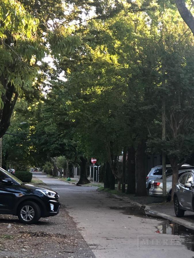 terreno en venta en calle cortada en martinez.