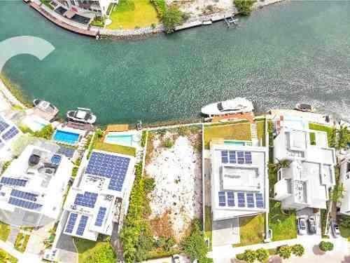 terreno en venta en cancun en puerto cancun frente al canal