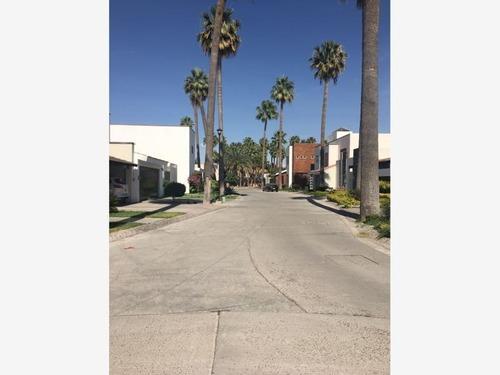 terreno en venta en cerrada real de las palmas