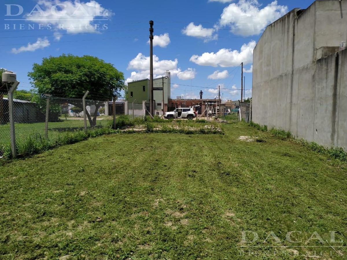 terreno en venta en city bell calle 443 e/ 134 y 135 - dacal bienes raices