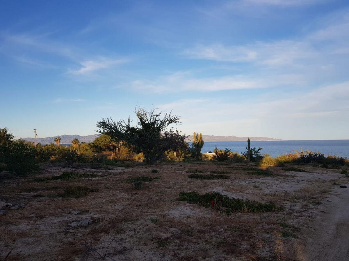 terreno en venta en el sargento a un lado de blue bay