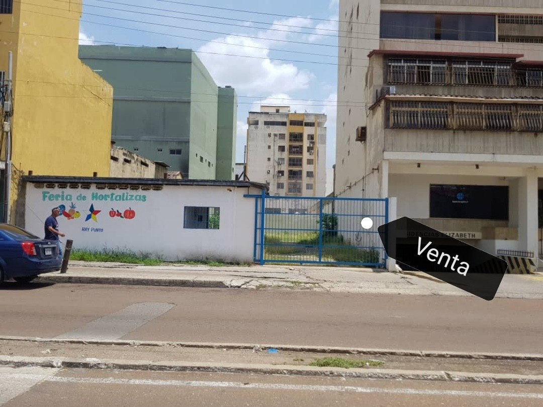 terreno en venta en exelente ubicacion comercial