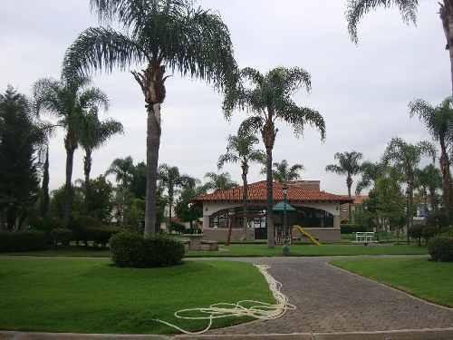 terreno en venta en jardin real zapopan