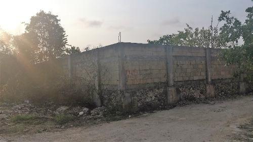 terreno en venta en la av. huayacan