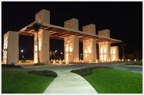 terreno en venta en puerto cancun 13,492 m2