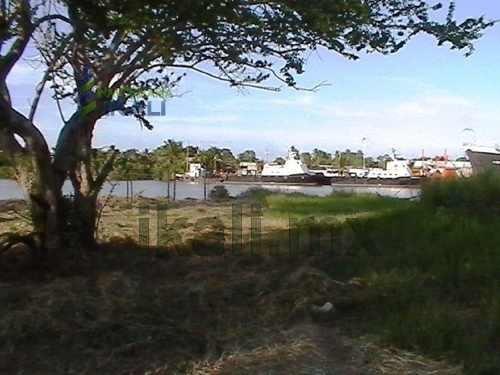 terreno en venta en tuxpam veracruz frente al rio , muy cerca de la bocana del río tuxpan con el mar, ideal para muelle o actividad portuaria, 125 m. de orilla al agua, calle capullo esq. con ribera