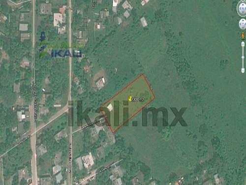 terreno en venta en tuxpan veracruz de 1965 m², 29 metros de frente y 70 m de fondo, se encuentra ubicado en la calle privada salinas de gortari en la colonia anáhuac de tuxpan, veracruz, c. p. 92830