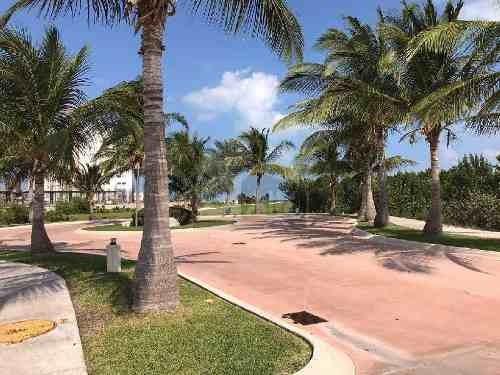 terreno en venta frente a campo de golf, puerto cancún residencial, $1100 usd mtr2