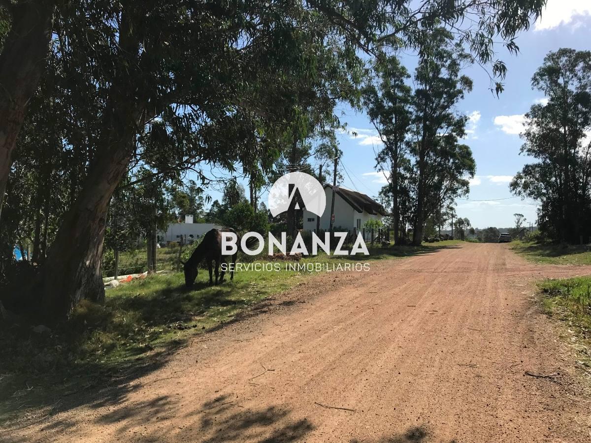 terreno en venta, piriápolis, 824 m2