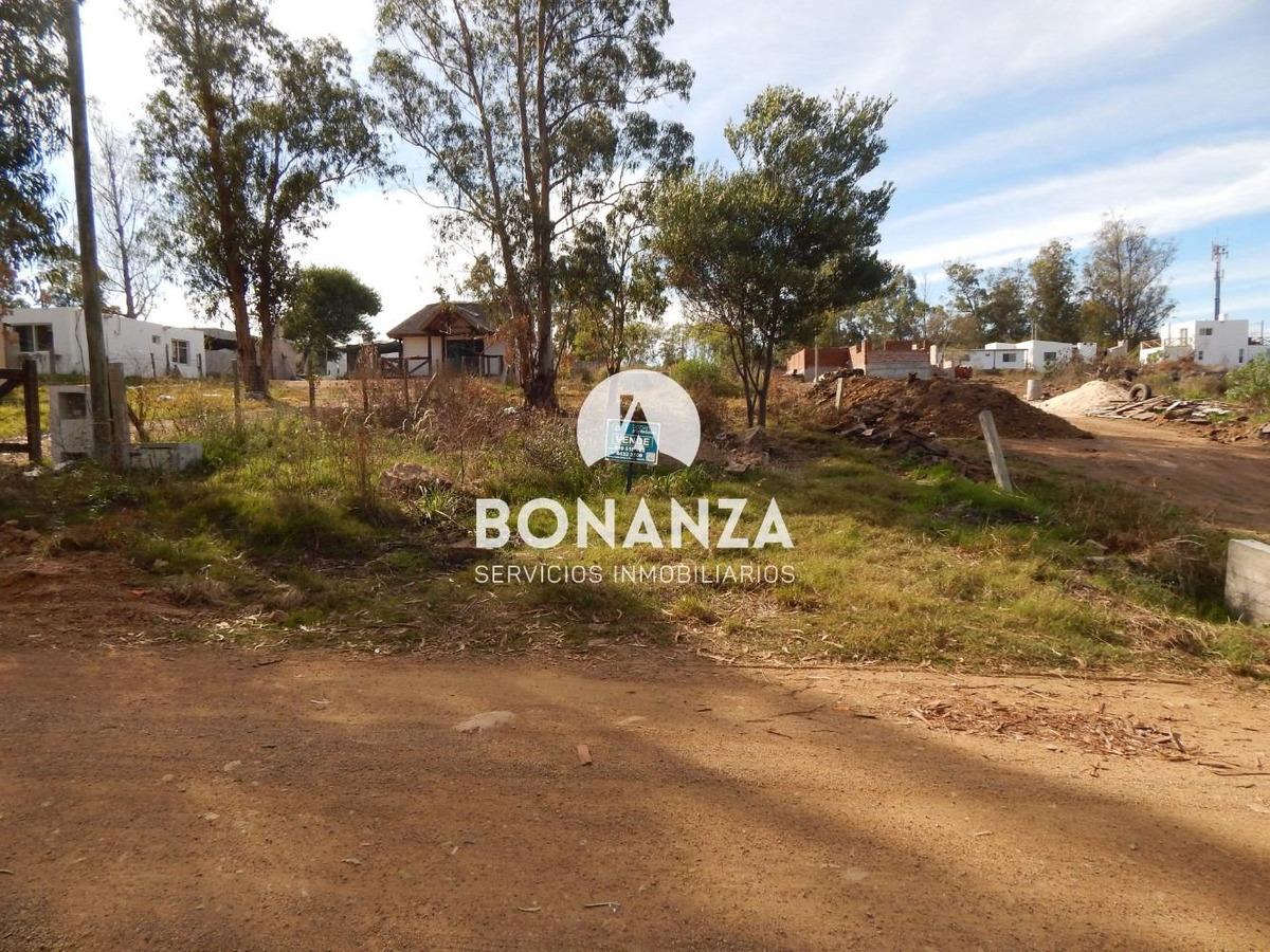 terreno en venta, piriápolis, zona iglesia de piria, 625 m²