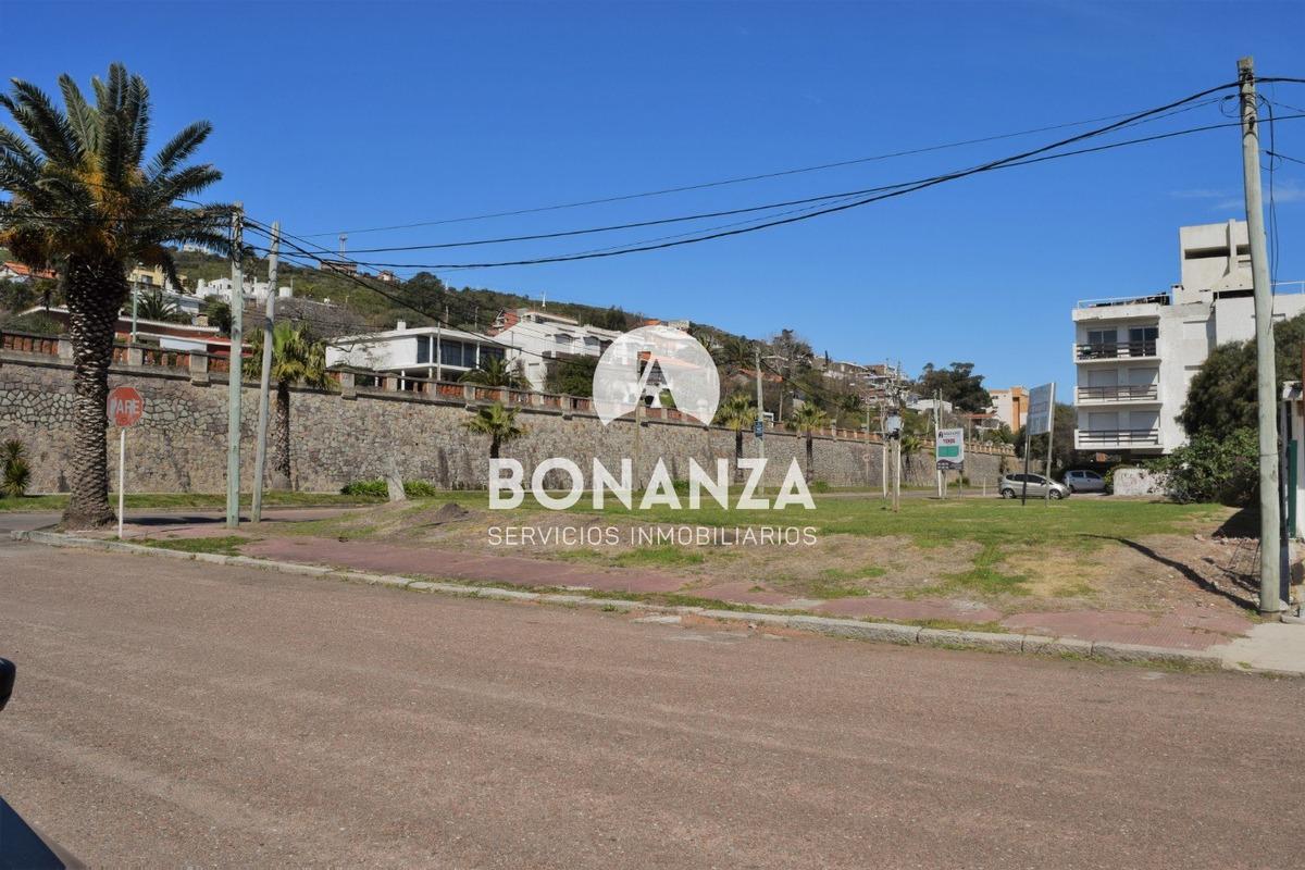 terreno en venta, piriápolis, zona portuaria, 900m²
