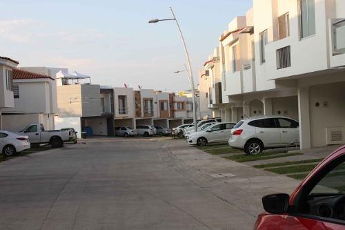 terreno en venta residencial en coto con alberca