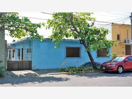 terreno en venta terreno con construccion en venta en av. jimenez norte.