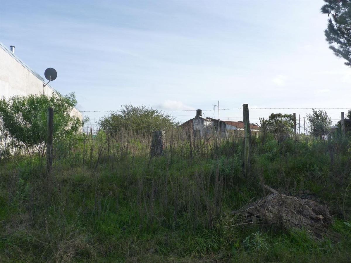 terreno en villa adela