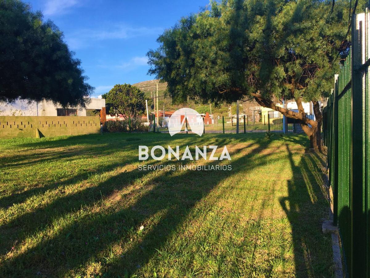 terreno esquina en venta, piriápolis, zona centro, 534 m²